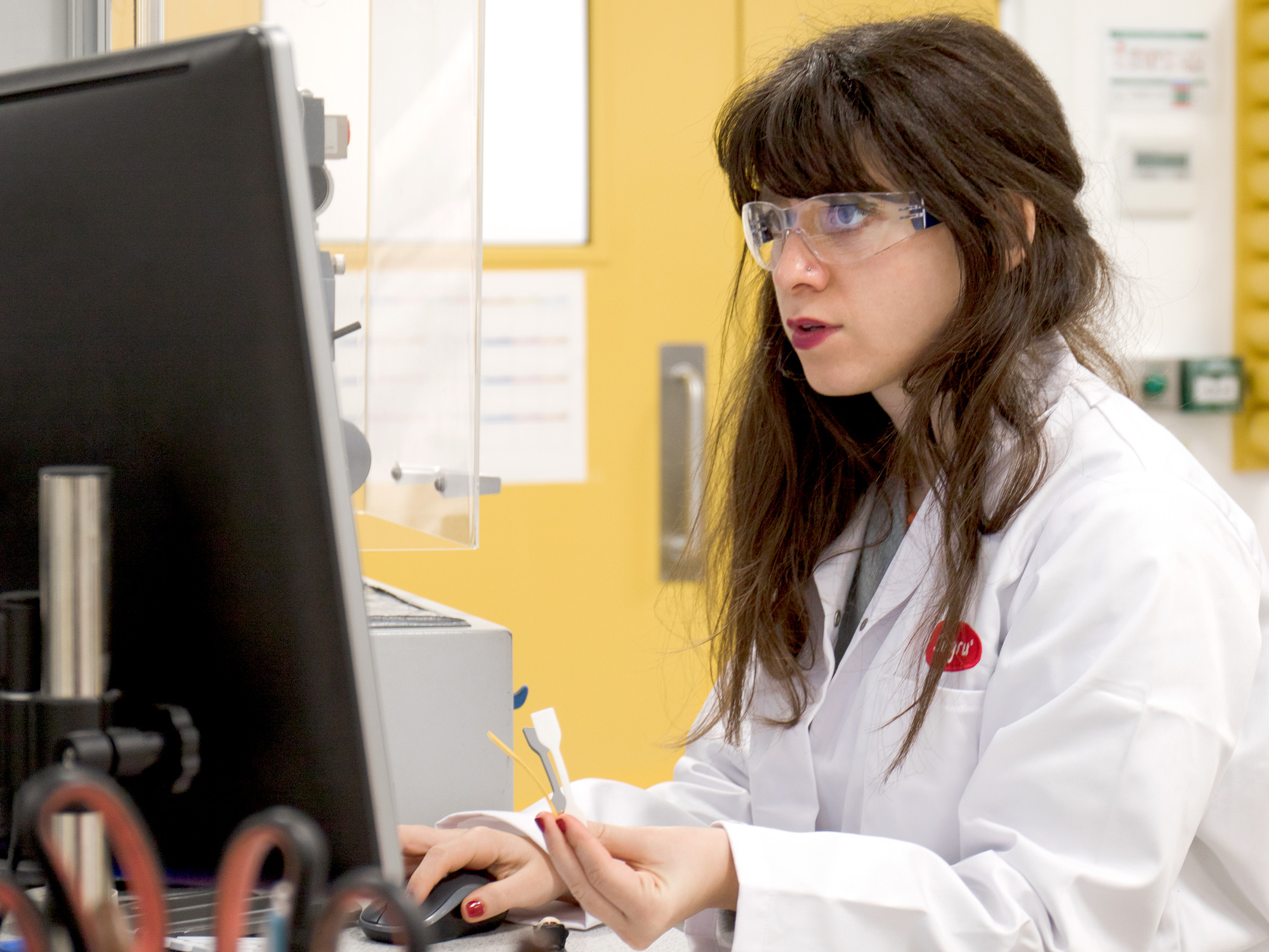 vivian working on a computer in the sugru lab